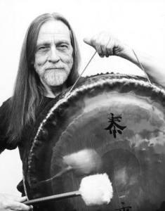 DonConreaux-solo-mit-Gong